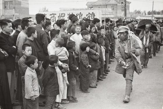 Nanjing  china  1949.   henri cartier bresson